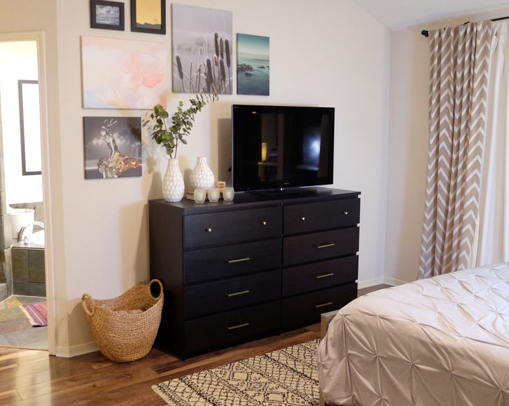 Schlafzimmer malm ~ A bright bedroom with pax wardrobe and malm bed in light oak plus