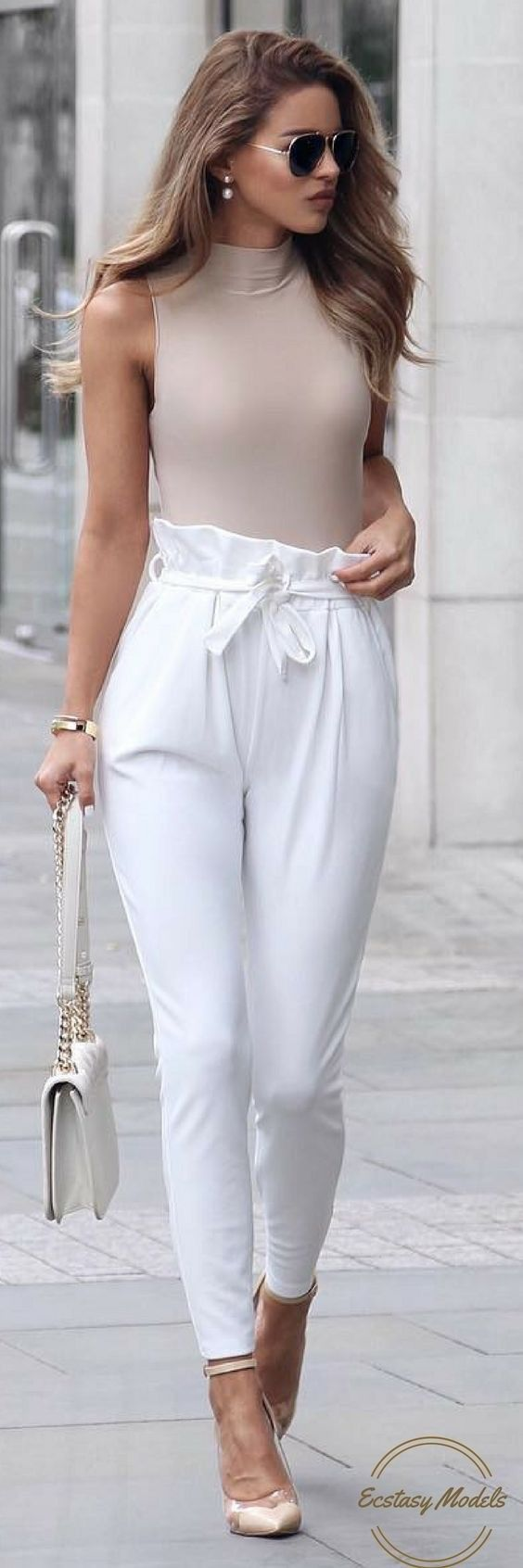 Perfect How To Style Ladies White Pants 2018 | FashionGum.com