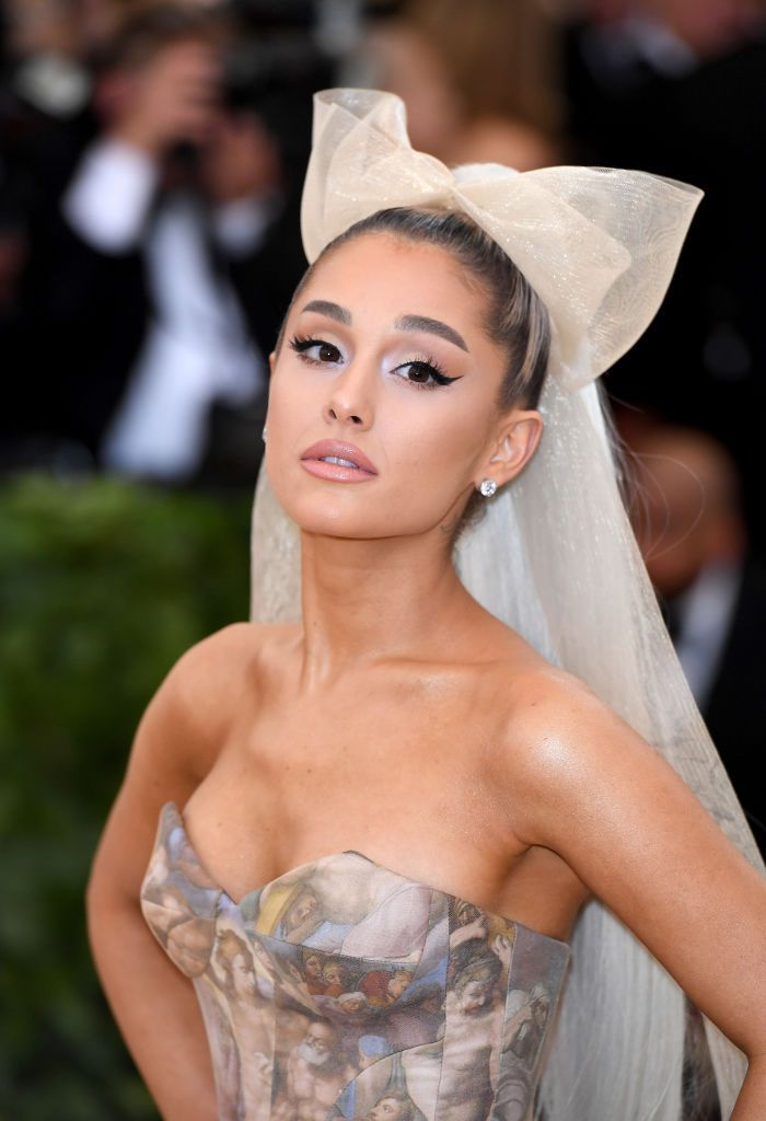 Ariana Grande Is Totally Unrecognizable With This Insane Makeunder