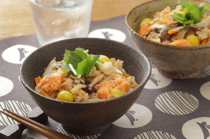 秋を味わう五目ごはん   秋の味覚を存分に味わえる、麺つゆで簡単おいしい炊き込みご飯!