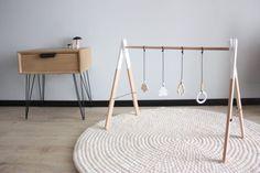 DIY portique d'éveil pour bébé en bois - wood baby gym -                                                                                                                                                                                 Plus