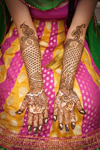 Beautiful mehndi design!