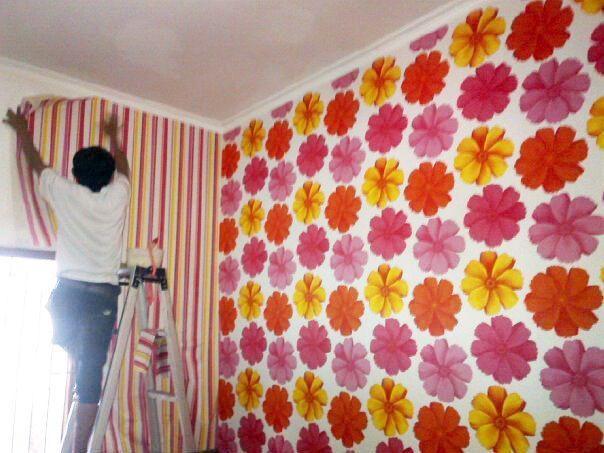 Tips Memilih dan Memasang Wallpaper Dinding Sendiri 2014 | Desain