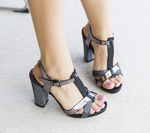 Sandale Pacon Negre -  Colectia Sandale cu toc de la  www.cutoc.net