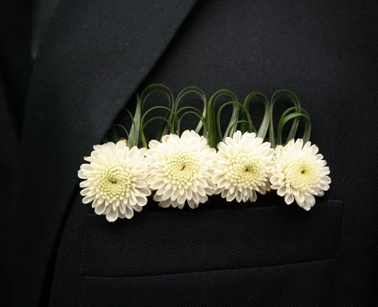 Mums boutonniere pocket square