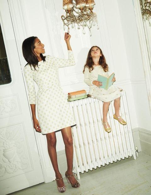 Jacquardkleid mit glitzernden Tupfen WH910 Festliche Kleider bei Boden