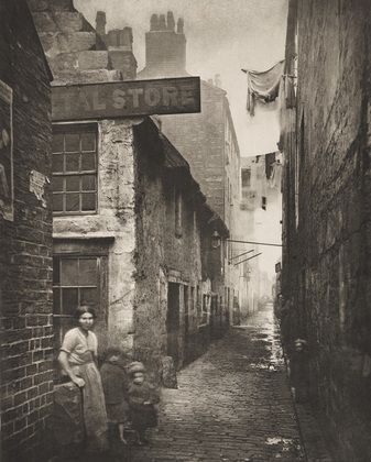 Old Vennel off High Street, Glasgow - Thomas Annan (British, 1829–1887) 1868, when commercial photography was fairly new.