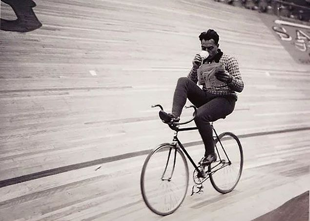 Dengeyi sağlayabilmektir bisiklet sürmek.