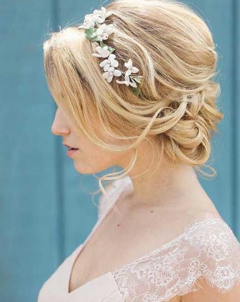 Idén minden menyasszony ezt viseli majd az esküvőjén