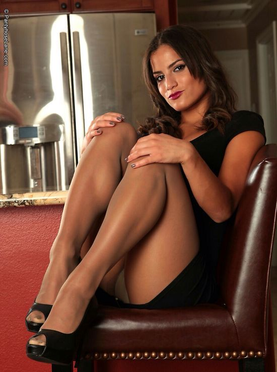 De longues jambes en collants nus diaphane leakcams com