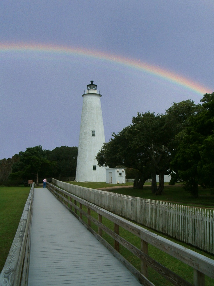 Rainbow Over Ocracoke Light House In The Outer Banks Nc Beautiful Lighthouse Ocracoke Island Lighthouse