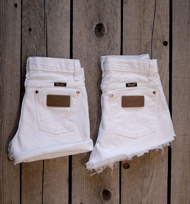 Vintage WRANGLER Shorts Denim Cutoff Shorts WHITE Distressed Highwaist Jean Shorts Cut high or Low Cut