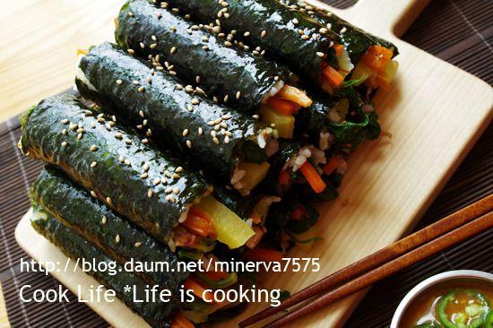 재료가 정말 간단한 얼큰한 마약김밥 - Daum 요리