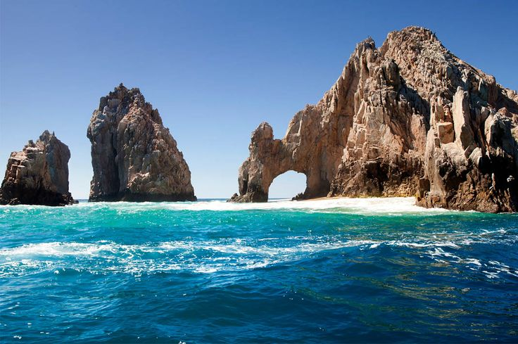 From surfing to cocktails and everything in-between, this is the only guide you need in order to enjoy Los Cabos, Mexico.