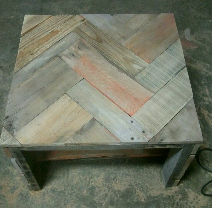 Chevron Table Top Made From Pallets Recycled Wood