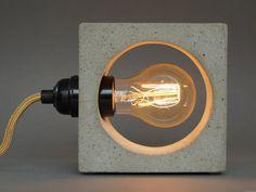 nomad: Betonlampe. concrete lamp. Tischlampe. Tischleuchte.