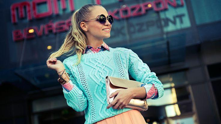 http://egyeletstilus.hu/bejegyzesek/1120/divattippek-napsuteshez-iszak-eszter-bemutatja-a-tavaszi-trendeket