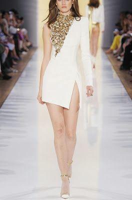 G.ECE.D: beyaz ve altın elbiseler
