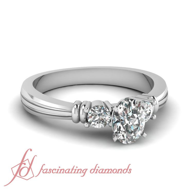 3 Stone Vintage Style 0.90 Ct Oval Shaped Diamond Very Good Cut Engagement Ring #FascinatingDiamonds #SolitairewithAccents
