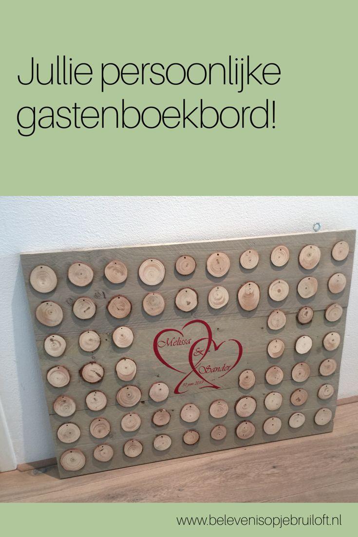 Dit gastenboek is iets bijzonders! Een bord gemaakt van licht grijs steigerhout, met boomstammetjes als wensmogelijkheden. Na afloop van jullie bruiloft kan hij in huis worden opgehangen. Een prachtige herinnering