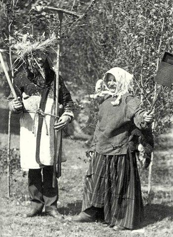 On Tjugondag jul/Twentieth Day Yule, young adult men would dress as as a goat (Finnish: Nuuttipukki) and some men would dress in women's clothing. The main part of the Nuuttipukki costume, however, was a pair of horns and a mask made from animal leather, birch bark or paper.