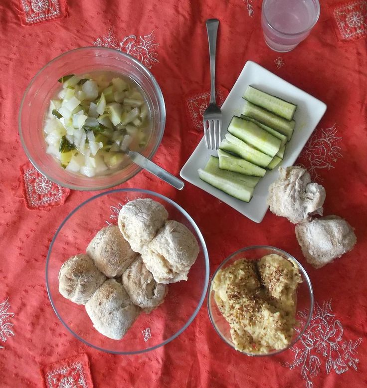lunch with humus