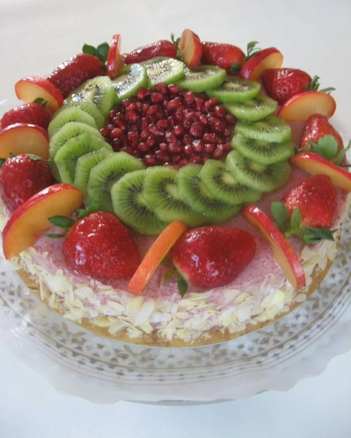 Lorena's Raw Vegan Cake! By Almha Rhais!