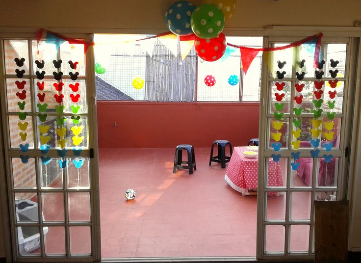 Outside deco mickey mouse clubhouse party decoraci n - Casa para fiesta ...