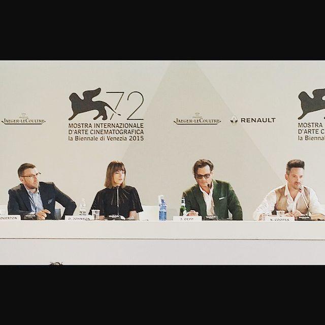 "Press conference of ""Black Mass"" with the actors Joel Edgerton, Dakota Johnson, Johnny Depp and the director Scott Cooper #pressconference #Venicefilmfestival #Venezia72 #Lido #Biennale #joeledgerton #dakotajohnson #johnnydepp #scottcooper  #Blackmass #actors #director #instasize #vvfilmf"