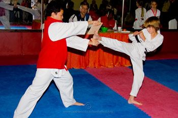 benefits of taekwondo for children. I love this website. Really summarizes well the benefits of Taekwondo for kids.