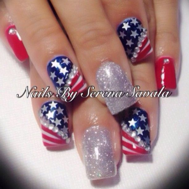 nailsbyserena's festive tips. Show us your 4th of July-inspired nails! Tag your pic #SephoraNailspotting to be featured on our social sites.
