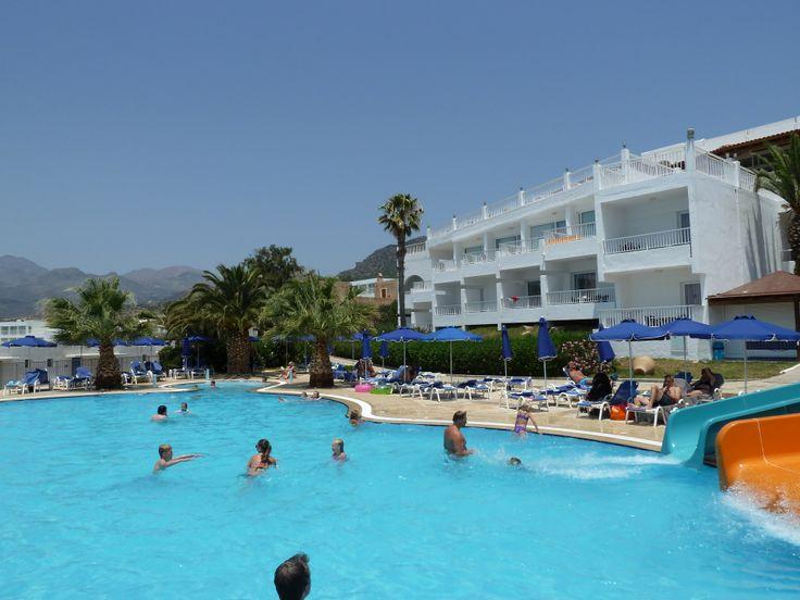 Sunwing Beach Hotel στην Ιεράπετρα Κρήτης - Κόλλα πλακιδίων (2012)