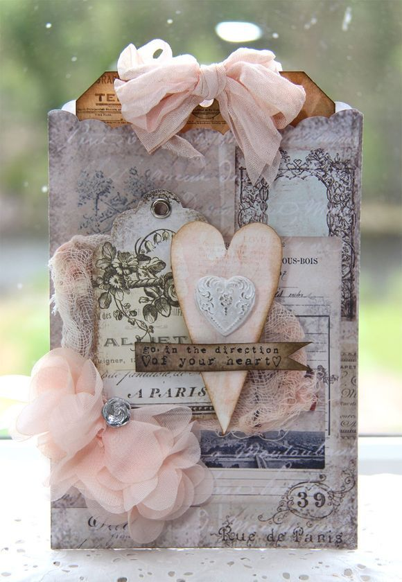 Shabby Chic Gift Bag http://weeklyscrapper.com/follow-your-heart-treat-bag/