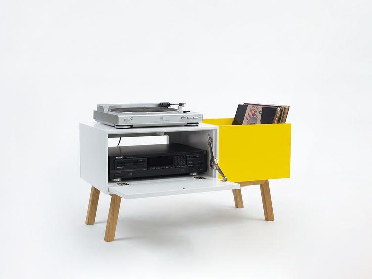 Commode pour ranger platine vinyle et disques vinyles par Cubit.
