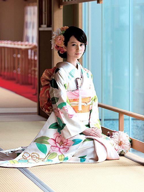 晴の日の着物 Horikita Maki