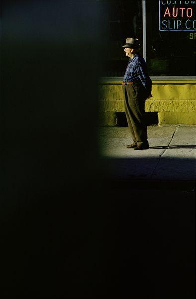 #Saul Leiter #photographe Quand le noir devient pouvoir de mise en scène ...