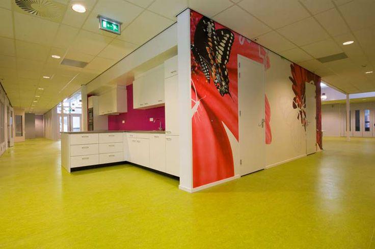 ontwerp wandbehang en uitvoering school kleur- en materiaalontwerp