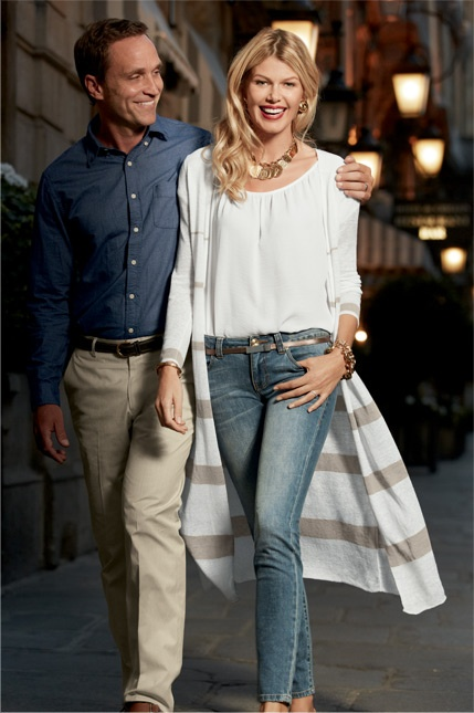 Love this effortless look!  (The guy's not bad, either!)