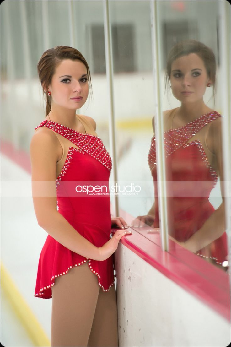 skating-photography! 1. Cool portrait! 2. That dress is really cute
