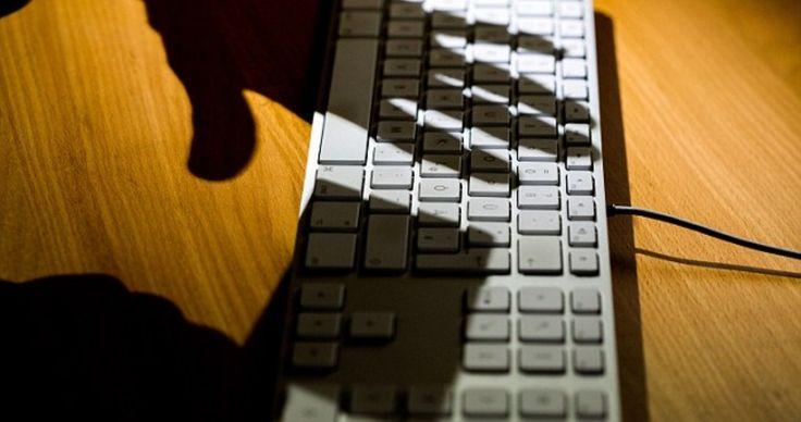 Как вернуть деньги, если перевел их на карту мошенника? http://opravdaem.ru/fraudulent/kak-vernut-dengi-esli-perevel-ih-na-kartu-moshenni/