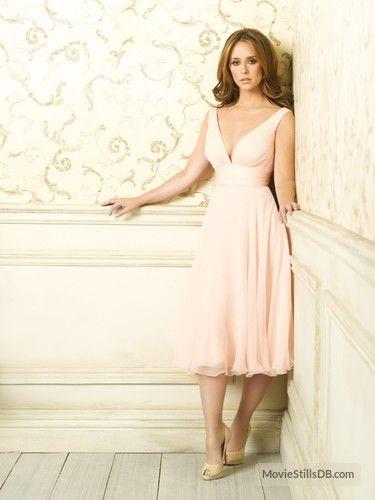 Ghost Whisperer - Promo shot of Jennifer Love Hewitt