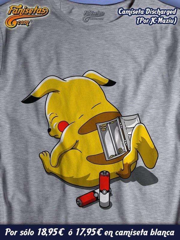 """""""Discharged"""" A #Pikachu se le han acabado las pilas y no tiene de repuesto. ¿Le podéis echar una mano? #Camisetas #Divertidas #Fanisetas #Pokémon #Videojuegos #Tv #Series http://www.fanisetas.com/discharged-p-6057.html"""
