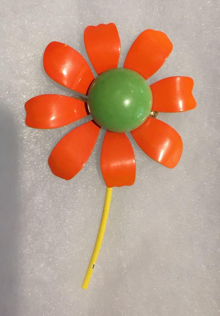 Vintage Mid Century Enamel Flower Brooch / 60's Daisy Brooch by VintageVixens1 on Etsy