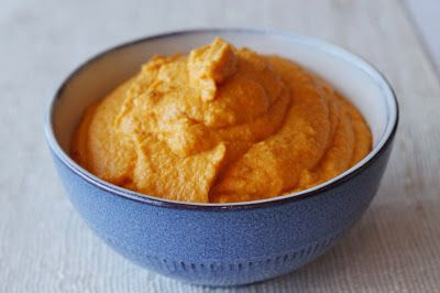 Fra kjøkkenbenken: Gulrothummus med harissa / carrot and harissa hummus