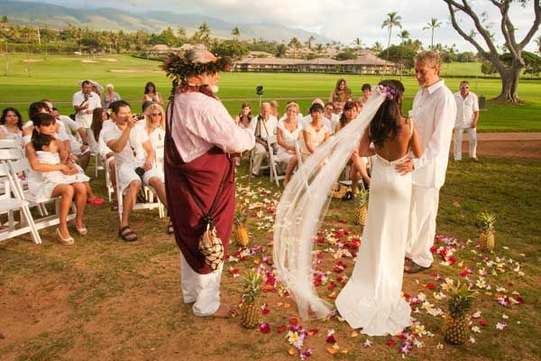 Five-star resorts, world-famous surf, white sandy beaches, and fancy island activities are just a few reasons why Maui is one of the world's exotic wedding and honeymoon destinations. Have your wedding on a beautiful landscaped garden that overlooks the vast blue waters of the Pacific. Location: Maui, Hawaii