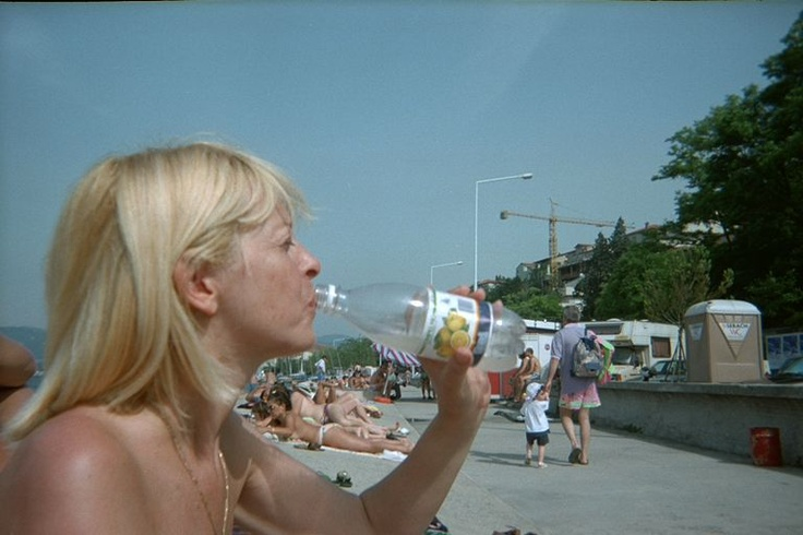 too hot in Italy: we have to drink a lot :-)