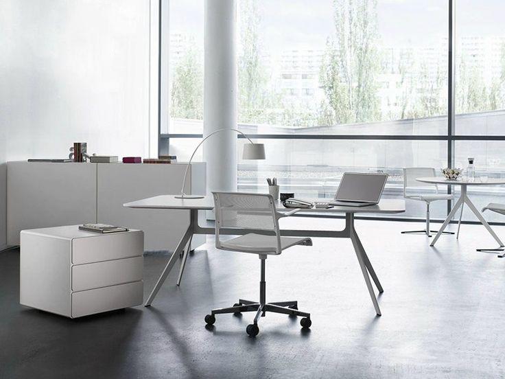 Bureau en bois Bureau opérationnel Collection STAR by WILHELM RENZ | design Jehs Laub
