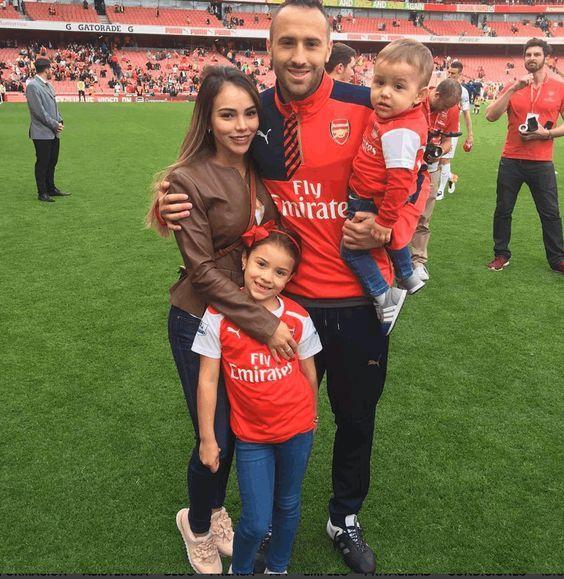 David Ospina #Maximiliano #DulceMaria #family #Arsenal #familytime #WeAreTheArsenal  #COYG  #PremierLeague