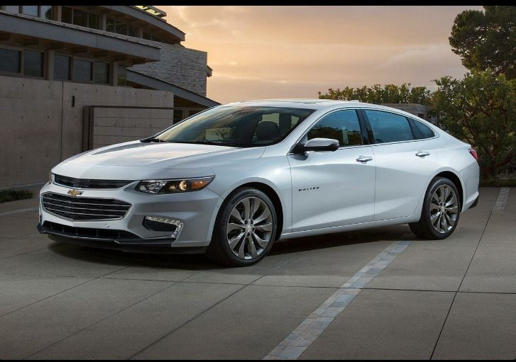The 2018 Chevrolet Malibu offers outstanding style and technology both inside and out. See interior & exterior photos. 2018 Chevrolet Malibu New features complemented by a lower starting price and streamlined packages. The mid-size 2018 Chevrolet Malibu offers a complete lineup with a wide variety of finishes and features, two conventional engines.