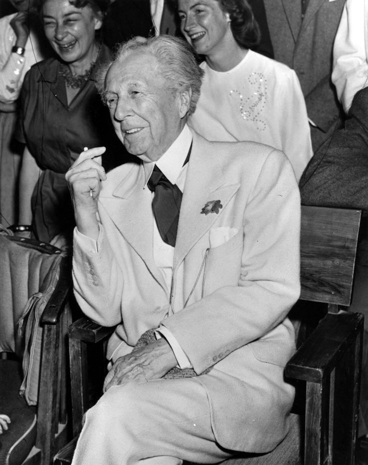 1000 images about frank lloyd wright on pinterest press photo new york and the arizona. Black Bedroom Furniture Sets. Home Design Ideas